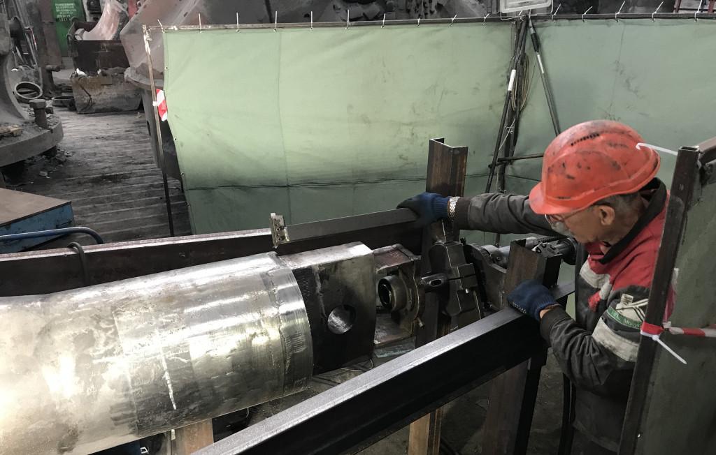 Ремонт вала конуса дробилки КРД 700\100